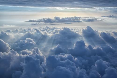 piekny-niebieskiego-nieba-tlo
