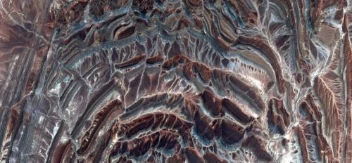koncentryczne-polkola-abstrakcyjne-pejzaze-pustyn-afryki-abstrakcyjny-naturalizm-abstrakcyjne-pustynie-afryki-z-powietrza-abstrakcyjny