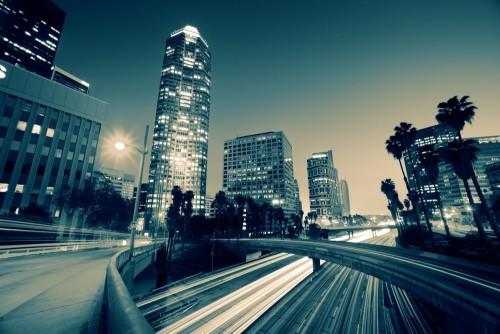 ruch-uliczny-w-centrum-los-angeles