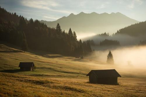 mglisty-poranek-na-bawarskich-ziemiach