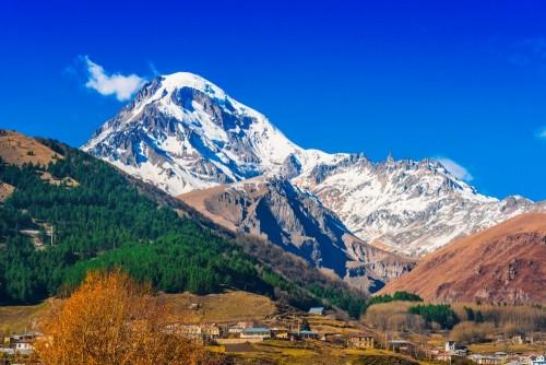 gora-kazbek-trzeci-najwyzszy-szczyt-w-gruzji