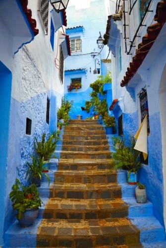 uliczka-blekitnego-marokanskiego-miasteczka-szafszawan