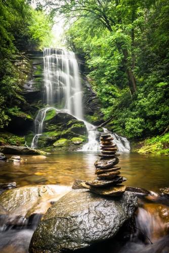 lesny-wodospad