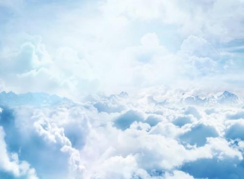 niebo-z-burzowymi-chmurami