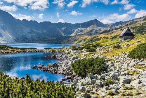 jezioro-w-dolinie-pieciu-stawow