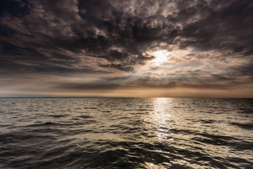 horyzont-w-mrocznej-scenerii