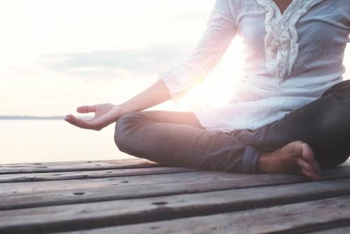 medytujacy-czlowiek